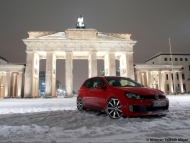 2010-mtm-volkswagen-golf-gti-and-gtd-gti-front-angle-2