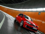 2010-mtm-volkswagen-golf-gti-and-gtd-gti-front-angle-tilt-2