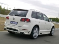 je-design-volkswagen-touareg-rear-angle-speed.jpg