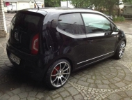 vw-up-rides-on-17-tomason-wheels_2