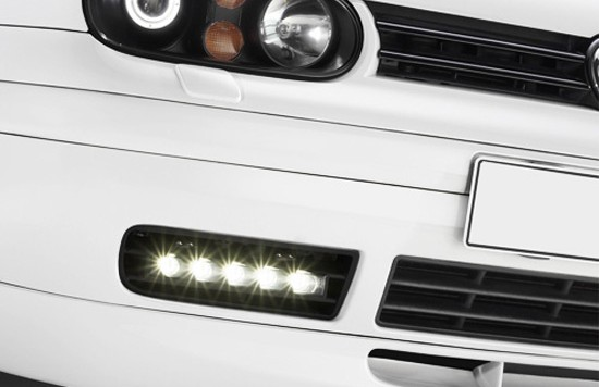 daydrive lights 550x356 Golf 4 LED daydriving light kits