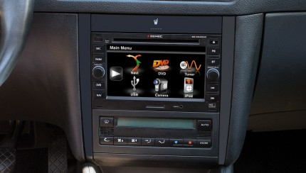 0911 zenec nc2040 naviceiver einbau 300 430x244 Vehicle specific navigation especially for the VW Golf IV