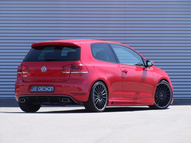 JE VW Golf VI GTI rearside 01 628x471 JE DESIGN puts R Power performance into the GTI