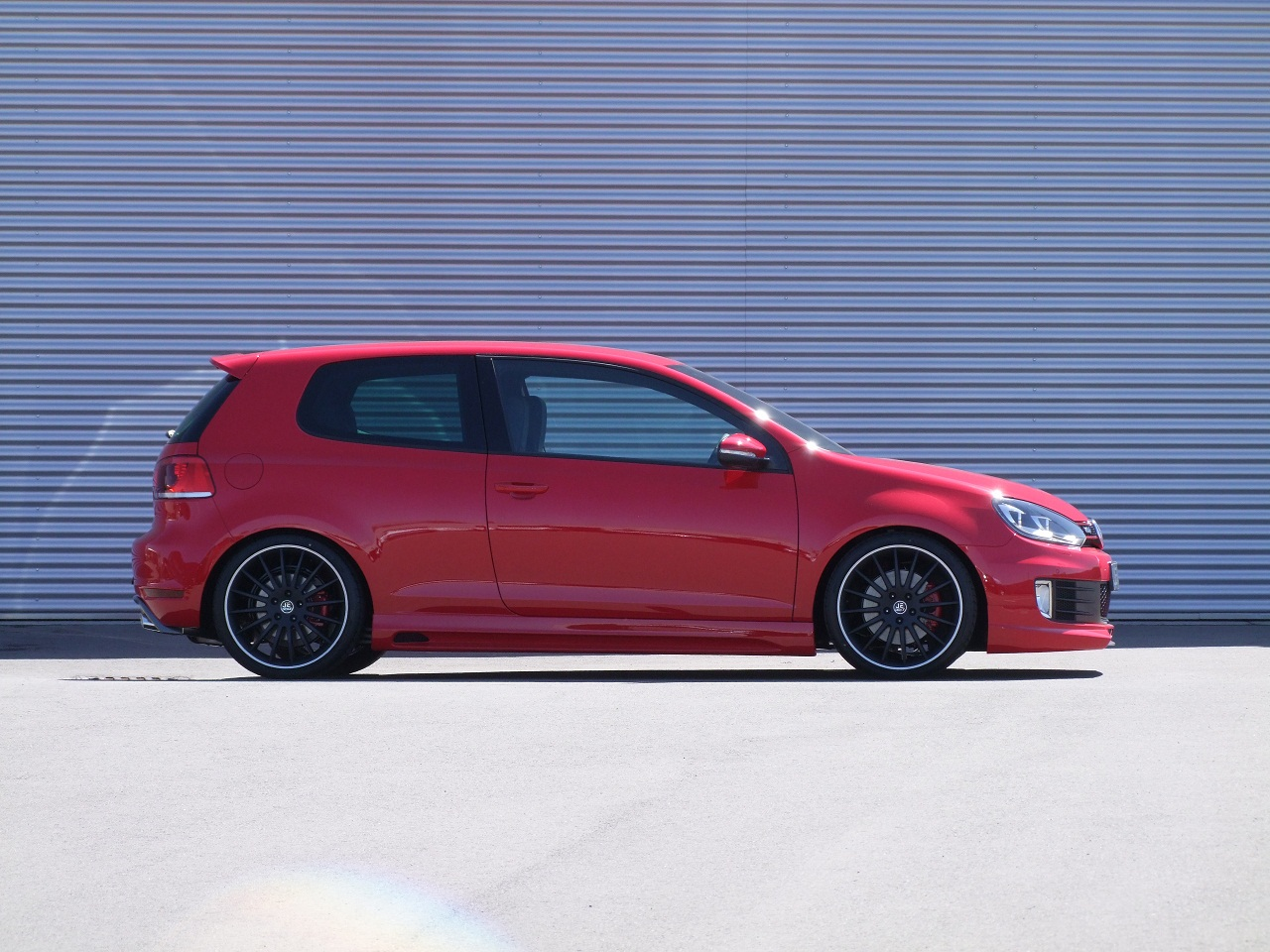 JE DESIGN puts R Power performance into the GTI