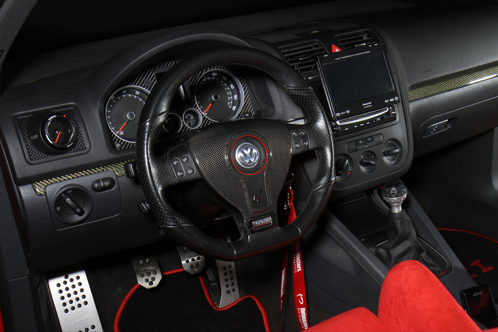vw golf carbon interior - VW Tuning Mag