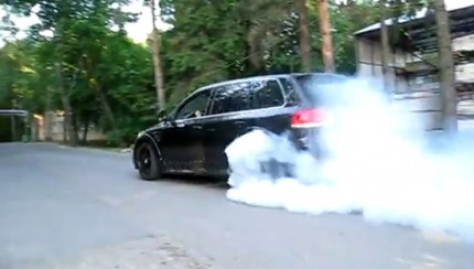 touareg.burnout 430x244 VW Touareg W12