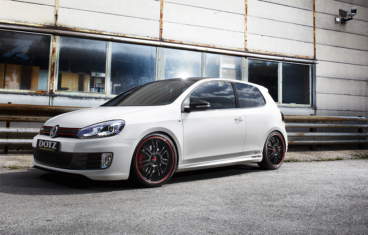 vw golf gti refined with the dotz shift pinstripe red. Black Bedroom Furniture Sets. Home Design Ideas