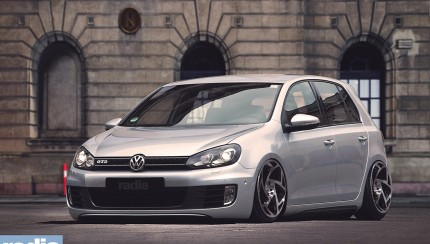 vw golf mk6 gtd silver radi8 1 430x244 Volkswagen on RADI8 wheels