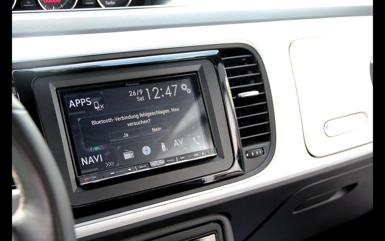 2015-KBR-Motorsport-SEK-Carhifi-Volkswagen-Beetle-Interior-6-1280x800