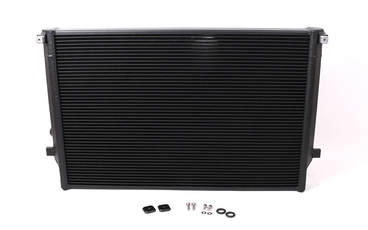 IMG 8200 2 Forge Motorsport Alloy Radiator   VW Golf GTI Mk7